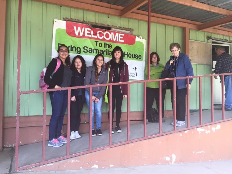 Members of UCSD Insight Pre-Optometry Club volunteering at the Tecate Eye Clinic in Tecate, Mexico